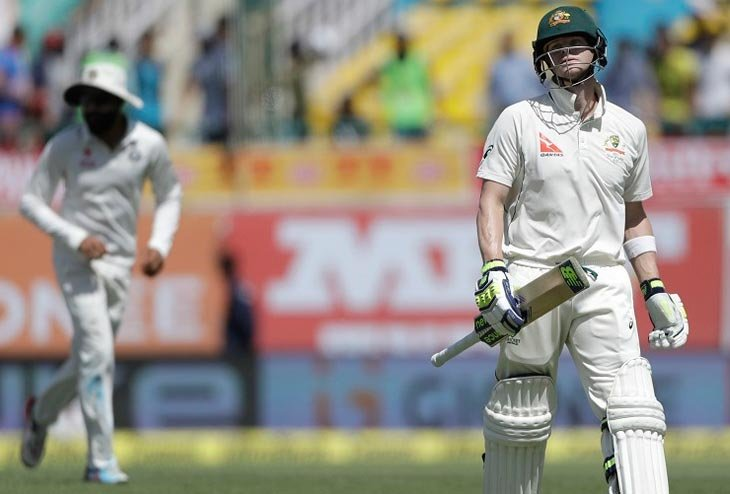 See-Saw match turns in favor of India on Third day, Spin attacks topple Australia