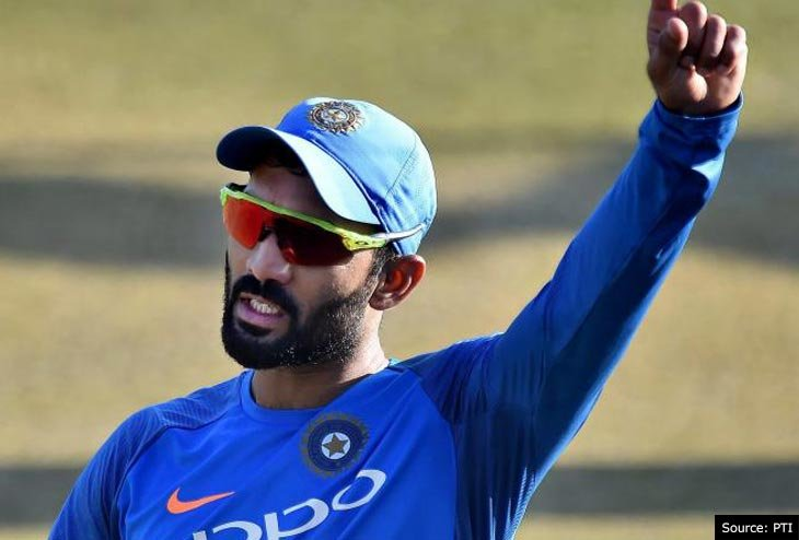 Dhoni is the topper in the university I study: says Dinesh Karthik